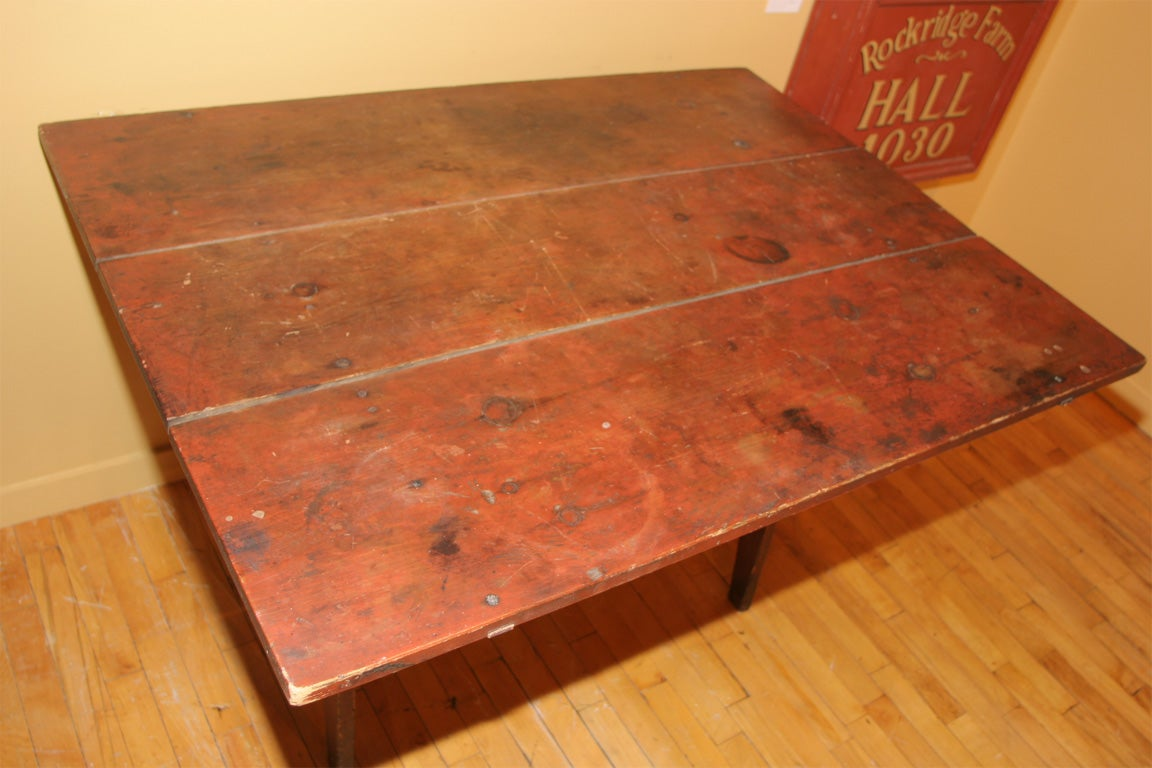 Wood Early 19th-Century New England Hutch Table For Sale