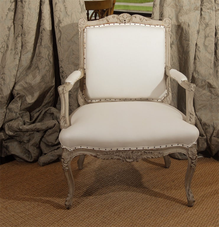 Oak Pair of 19th Century French Bergere Chairs For Sale