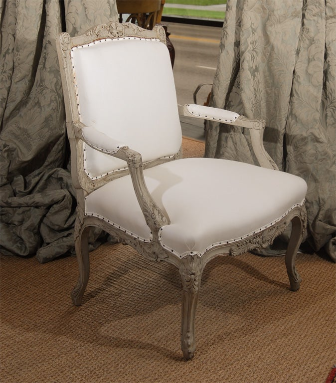 Pair of 19th Century French Bergere Chairs For Sale 1