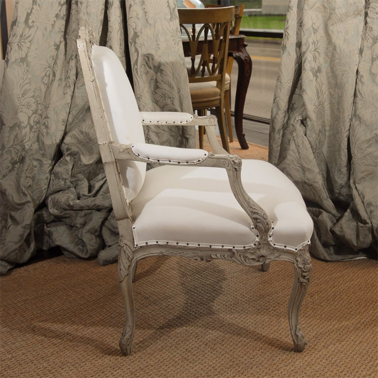 Pair of 19th Century French Bergere Chairs For Sale 2