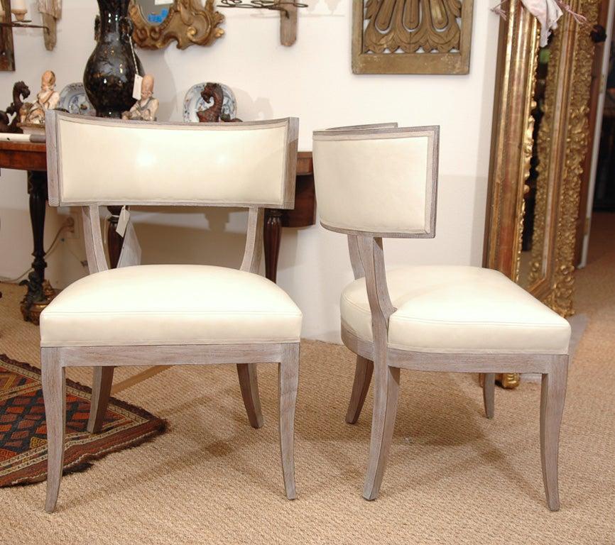 Pair Of Hollywood Regency Style Klismos Chairs At 1stdibs