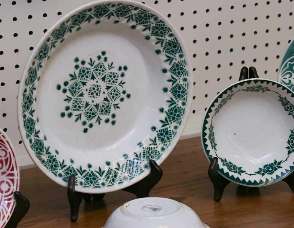 Group of French plates In Excellent Condition For Sale In Sheffield, MA