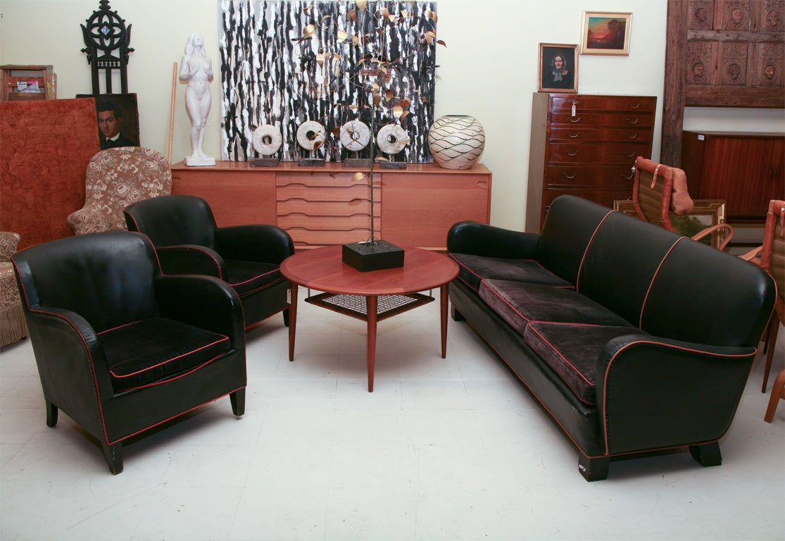 Art deco sofa set at 1stdibs for Art deco living room chairs