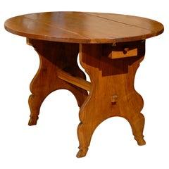 Oval Swiss Drop Leaf Table in Walnut, 18th Century