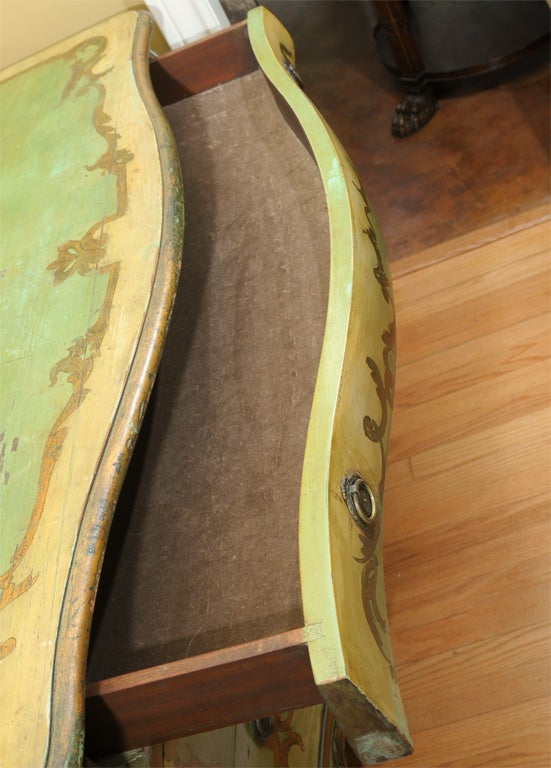 19th Century Venetian Painted Commode In Good Condition In Houston, TX