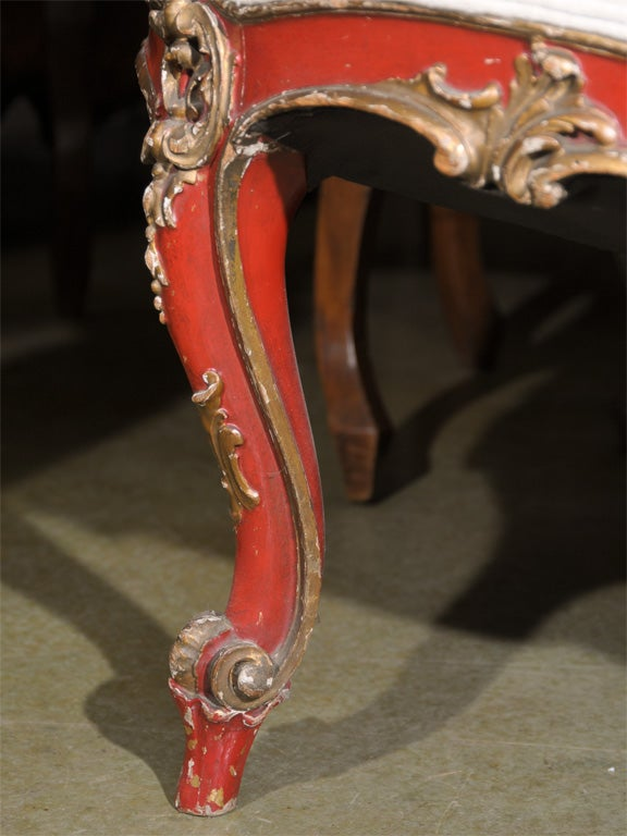 19th Century Venetian Red And Gilt Wood Canape 9