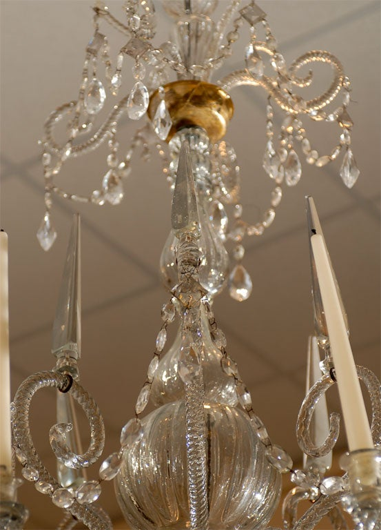 A Fine 18th Century Venetian Crystal Chandelier with Gilt Detail In Good Condition For Sale In Atlanta, GA