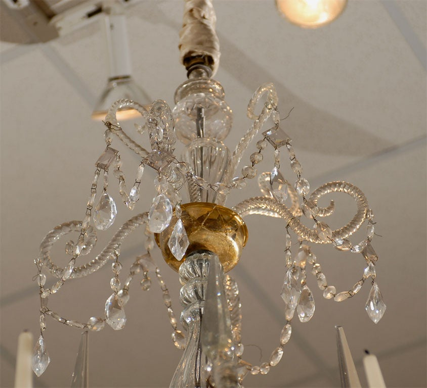 A Fine 18th Century Venetian Crystal Chandelier with Gilt Detail For Sale 2
