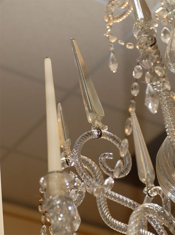 A Fine 18th Century Venetian Crystal Chandelier with Gilt Detail For Sale 4