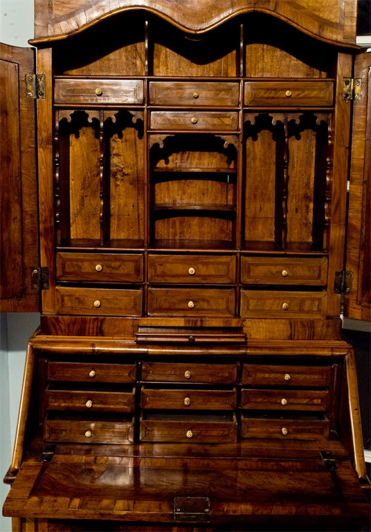venetian rococo bureau secretaire at 1stdibs. Black Bedroom Furniture Sets. Home Design Ideas