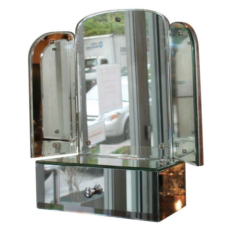 three way vanity mirror three way vanity dressing. Black Bedroom Furniture Sets. Home Design Ideas