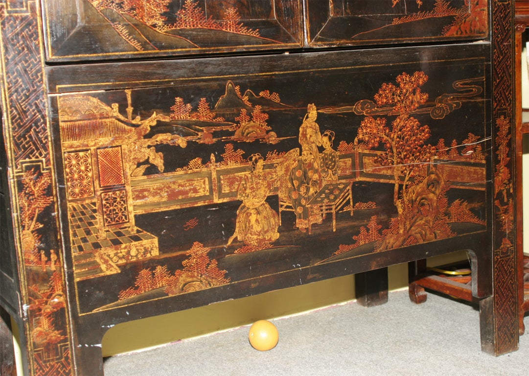 Wood Chinese 19th Century Chinoiserie wedding cabinet armoire