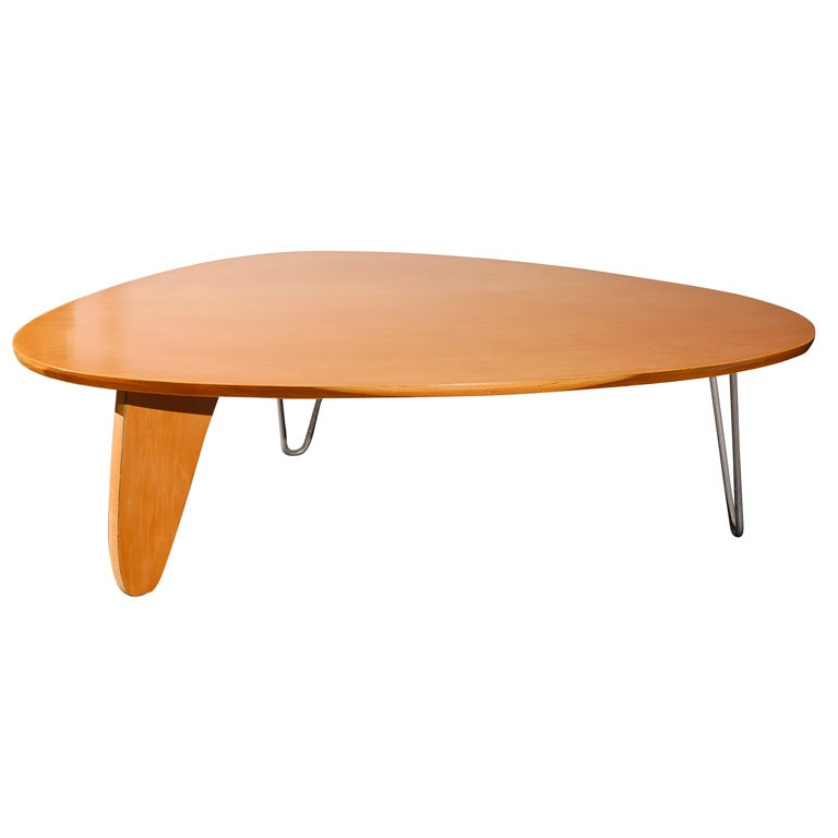 Rudder coffee table by isamu noguchi at 1stdibs for Noguchi coffee table