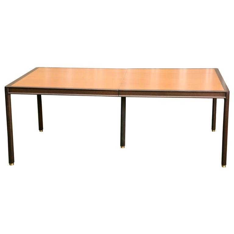 Sleek harvey probber dining roomtable at 1stdibs for Sleek dining room tables