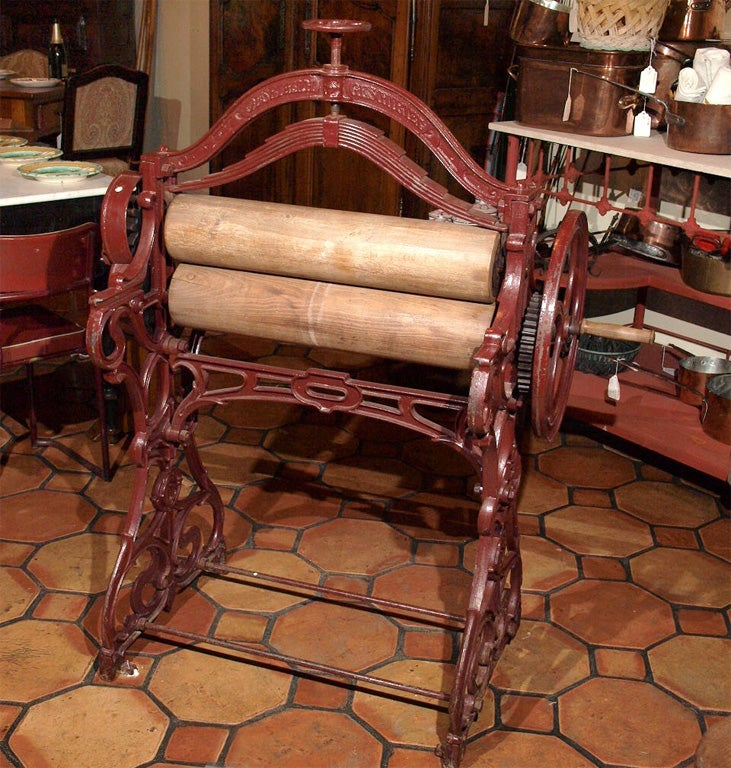Art Nouveau Cast Iron Mangle 2