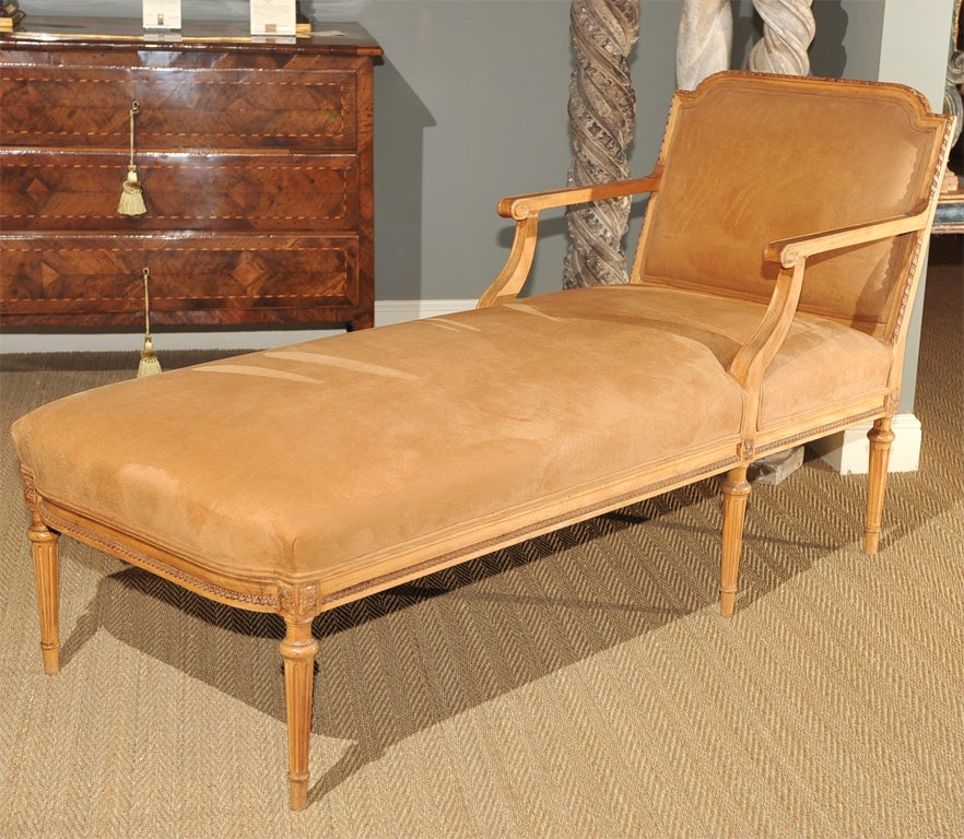 Hand carved louis xvi style pecan chaise at 1stdibs for Chaise louis xvi