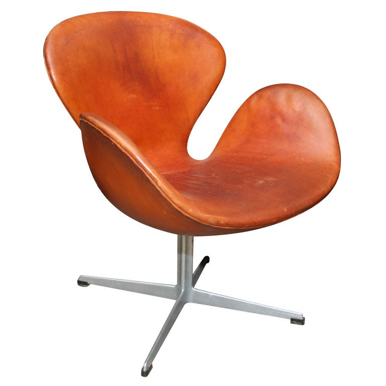 Arne jacobsen swan chair at 1stdibs for Swan chairs for sale