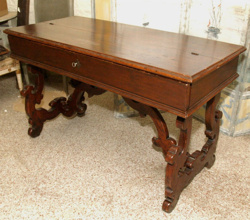 19th Century Italian Writing Table or Desk For Sale 4