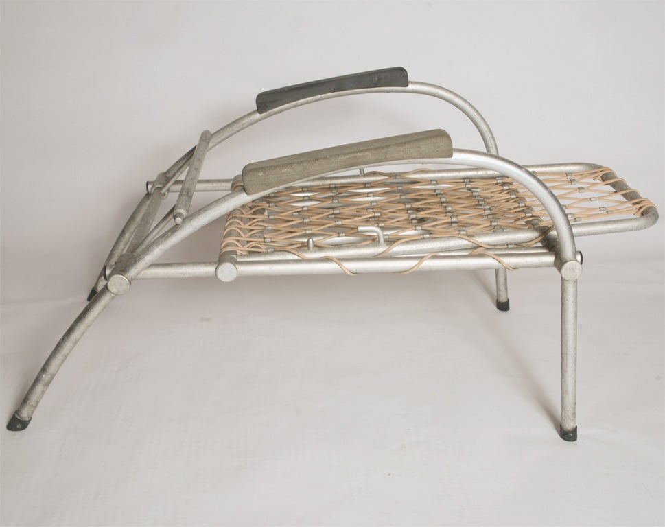 Folding outdoor lounge chairs at 1stdibs for Aluminum folding chaise lounge