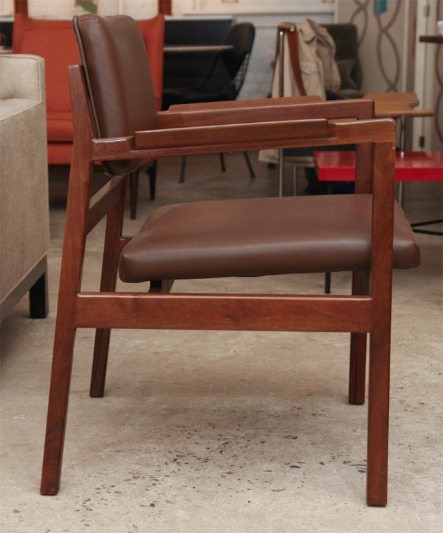 set of 8 jens risom dining chairs with arms on solid walnut frames