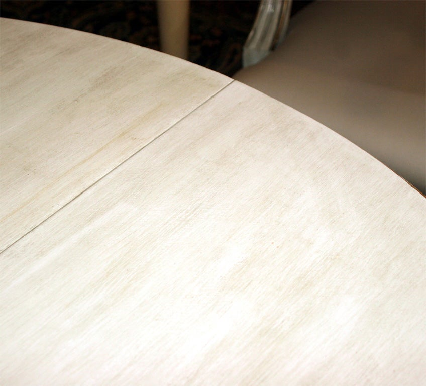 White painted circular dining table at 1stdibs for White painted dining table
