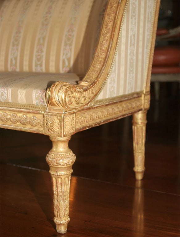 child 39 s french gilt wood banquette at 1stdibs. Black Bedroom Furniture Sets. Home Design Ideas
