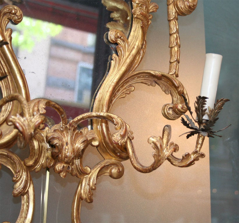 Fine Pair of George III Giltwood Two-Light Sconces, 18th Century For Sale 1
