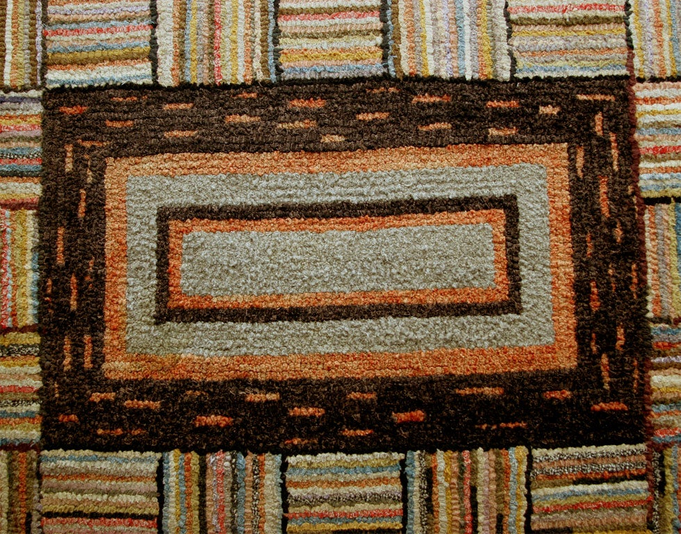 Antique Hooked Rug Framed Medallion Geometric In Excellent Condition For Sale In New York, NY