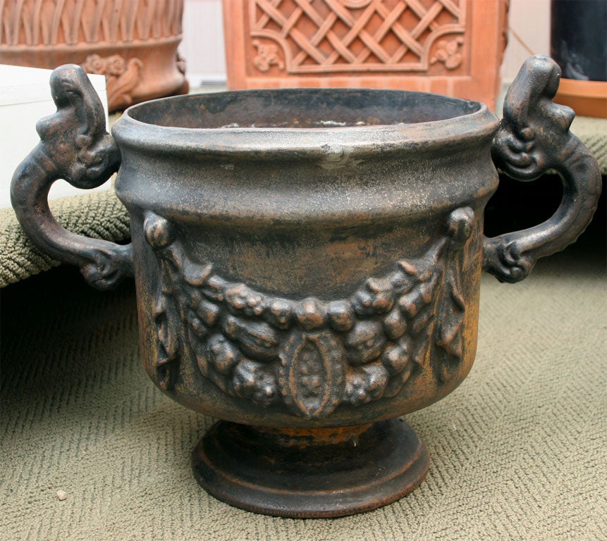 Pair of Ornate Cast Iron Urns In Good Condition For Sale In Mt Kisco, NY