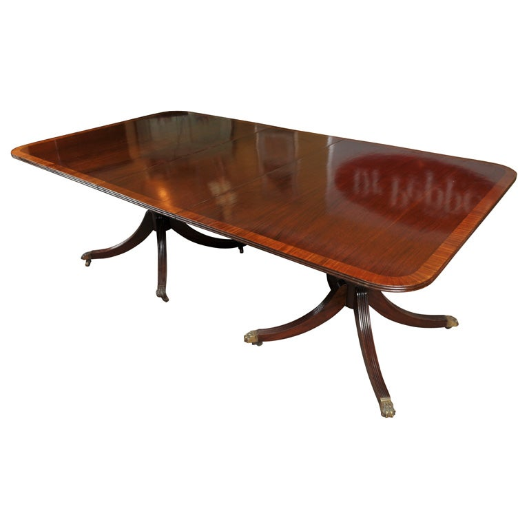 Banded Mahogany Dining Table at 1stdibs : x3006220 from www.1stdibs.com size 768 x 768 jpeg 33kB