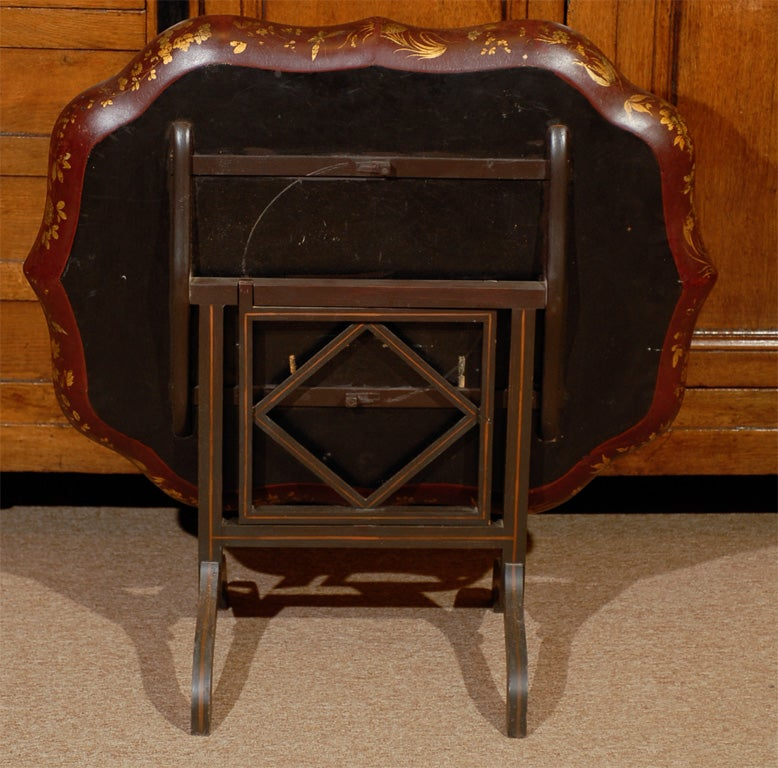English Shaped Oval Painted Chinoiserie Tray on Folding Stand. For Sale 2