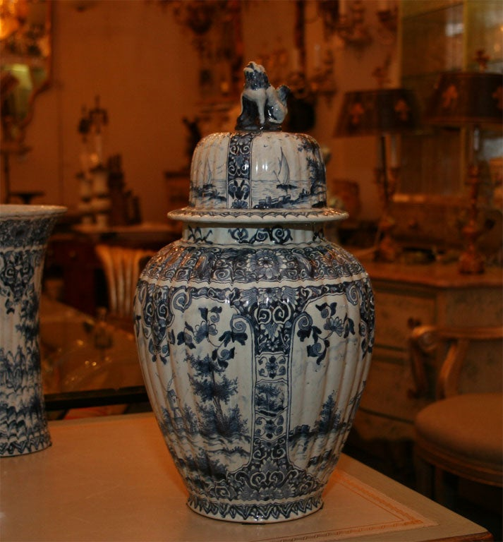 Five Dutch delft vases For Sale 1