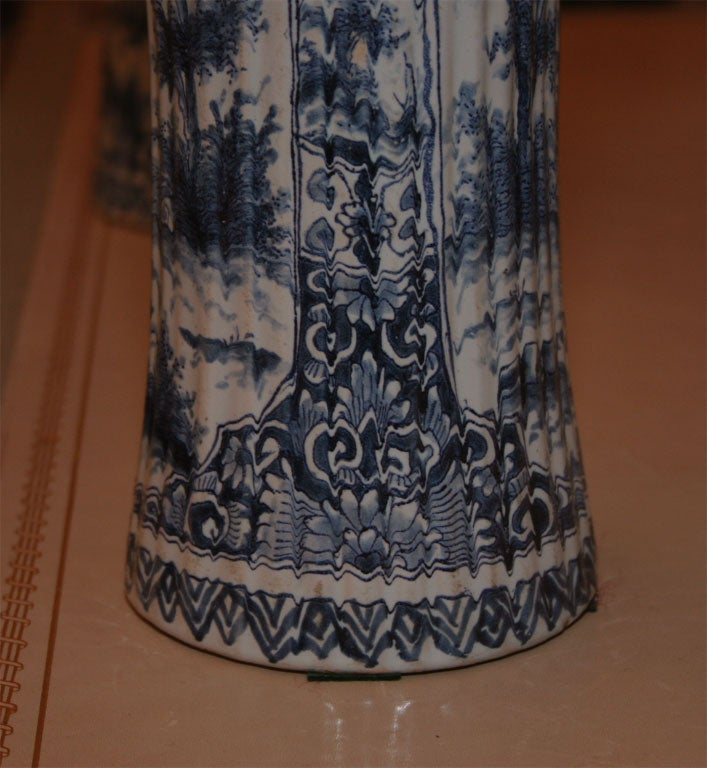 Five Dutch delft vases For Sale 5
