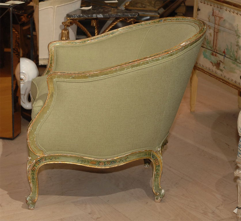 Painted and Gilt Bergere In Good Condition For Sale In San Francisco, CA
