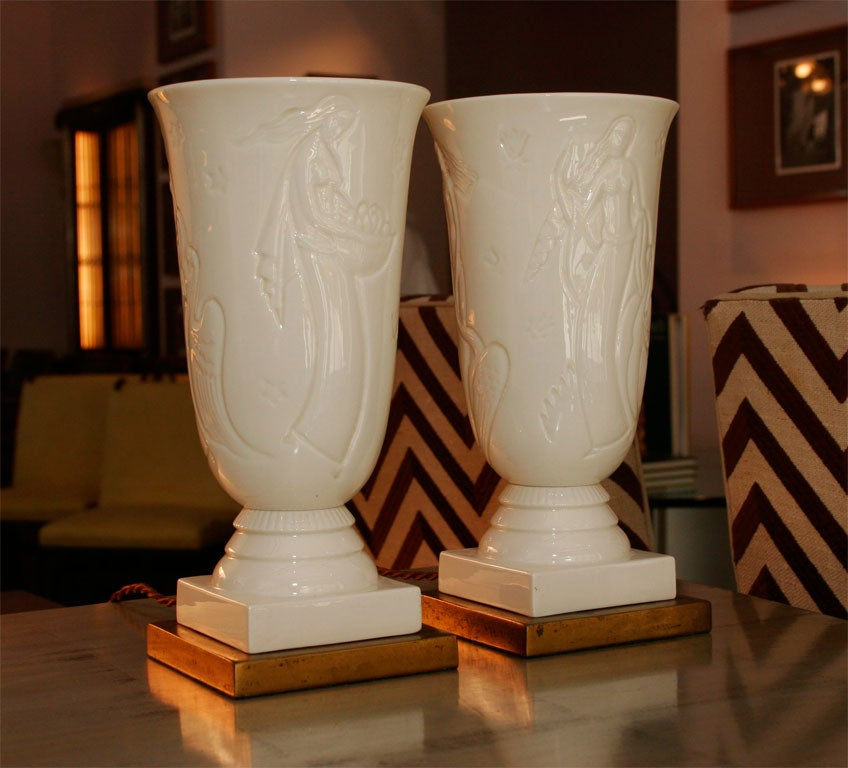 Lenox pair of urn lamps at 1stdibs for Table 6 lenox