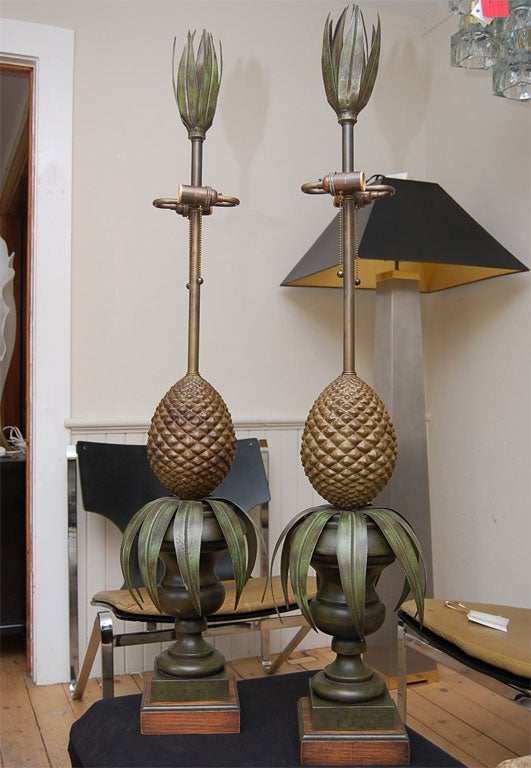 Mid-20th Century Pair of Tole Pineapple lamps For Sale