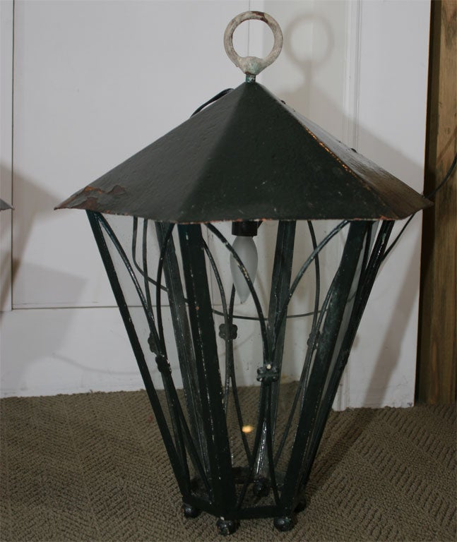 French Pair of Dark Green Painted Metal Lanterns For Sale