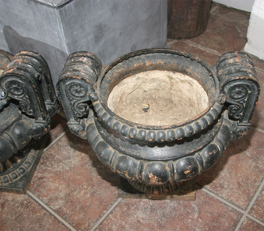 Pair of Dark Green/Black Painted Cast Iron Urns For Sale 3