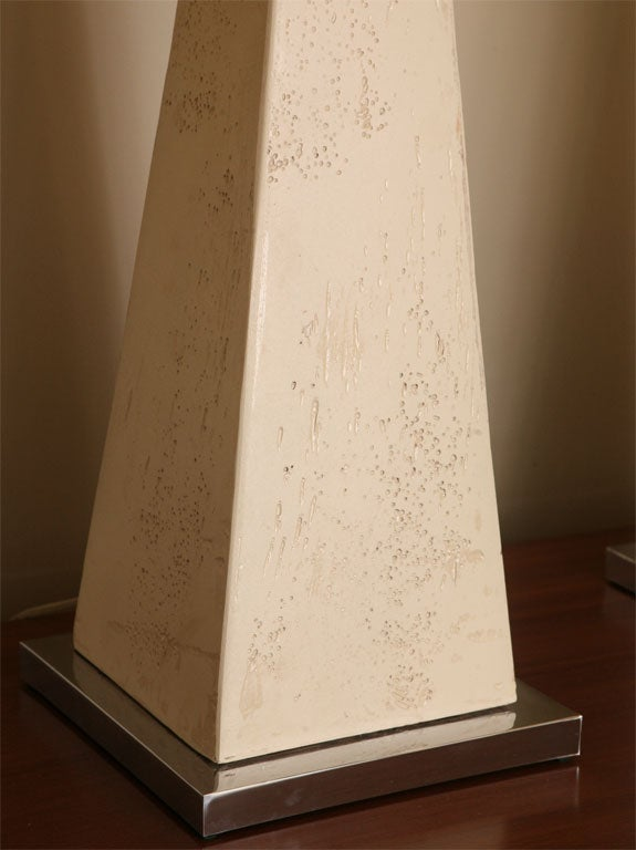 Monumental Modern Faux Stone Obelisk Table Lamps In Excellent Condition For Sale In Miami, FL