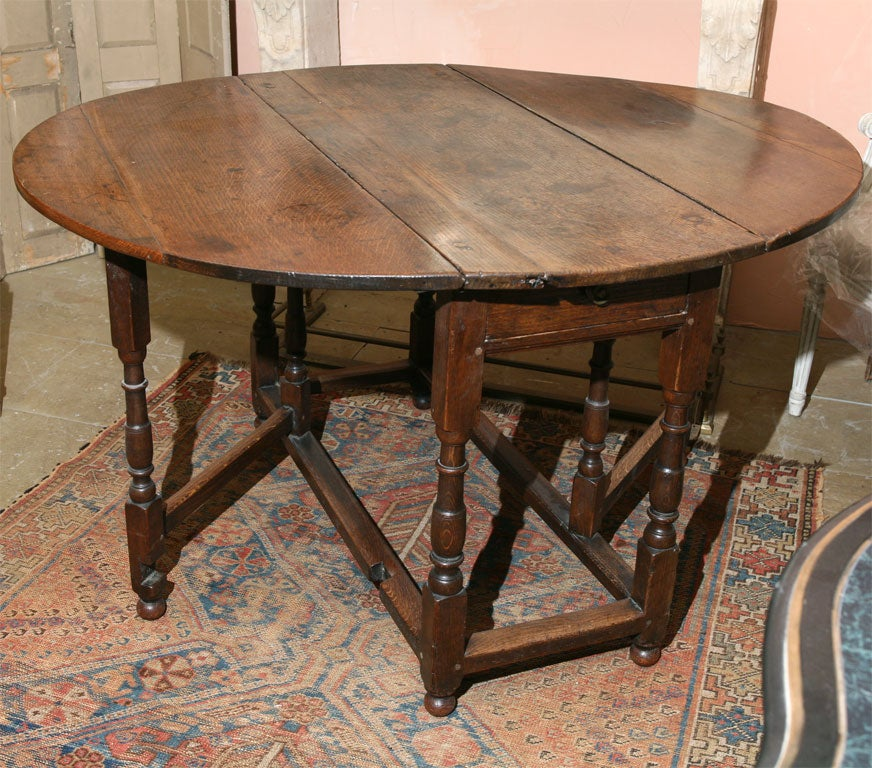 English Gate Leg or DropLeaf Table For Sale at 1stdibs