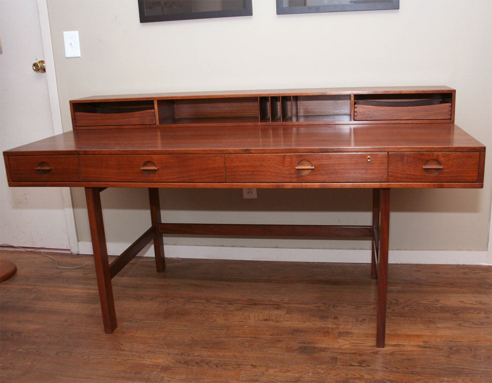 Rosewood lovig desk with flip top compartment and drawers for Flip top computer desk