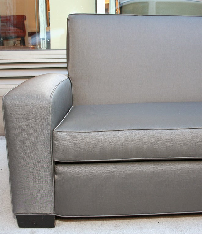 American Art Deco Sofa In The Manner Of Gilbert Rohde At
