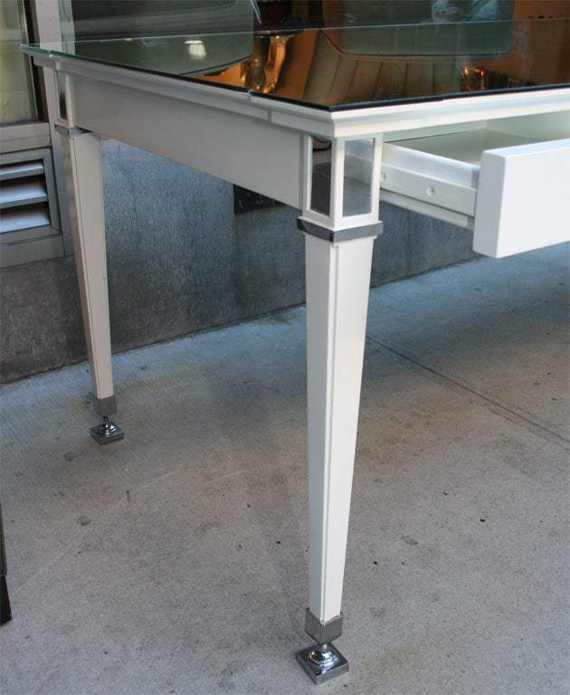 Hollywood Regency Writing Table/Desk in White Lacquer For Sale 2