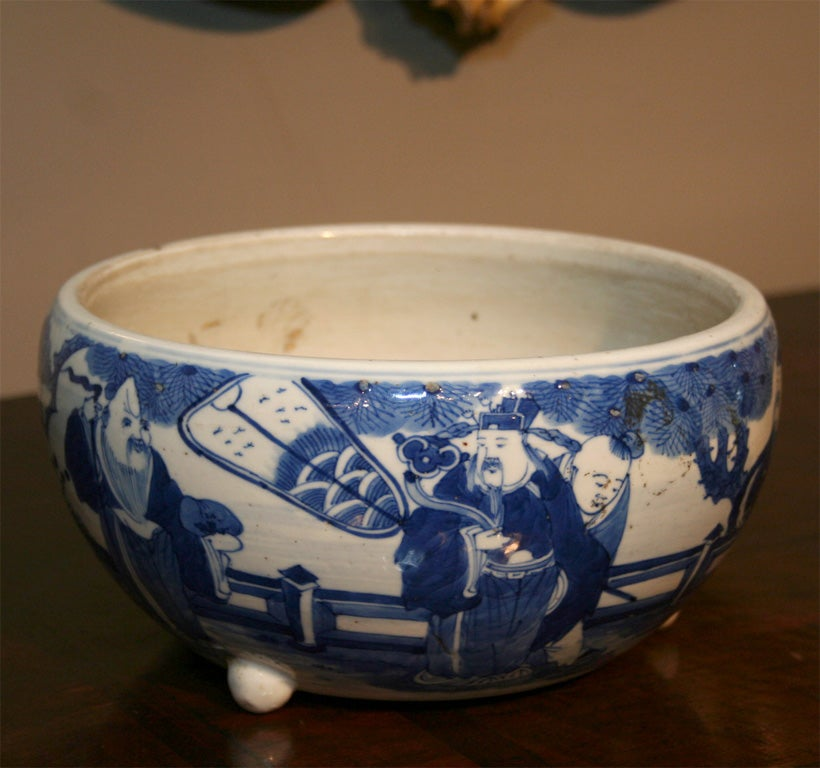 19th Century Chinese Qing Period Tongzhi Blue and White Porcelain Cachepot 2