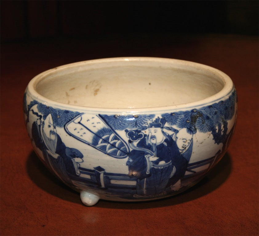 19th Century Chinese Qing Period Tongzhi Blue and White Porcelain Cachepot 3