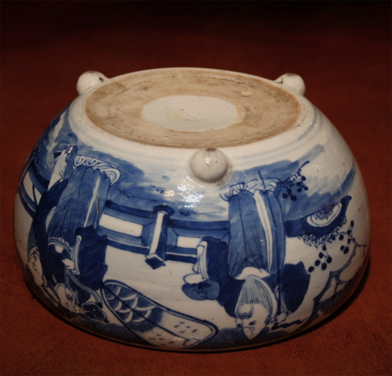 19th Century Chinese Qing Period Tongzhi Blue and White Porcelain Cachepot 5