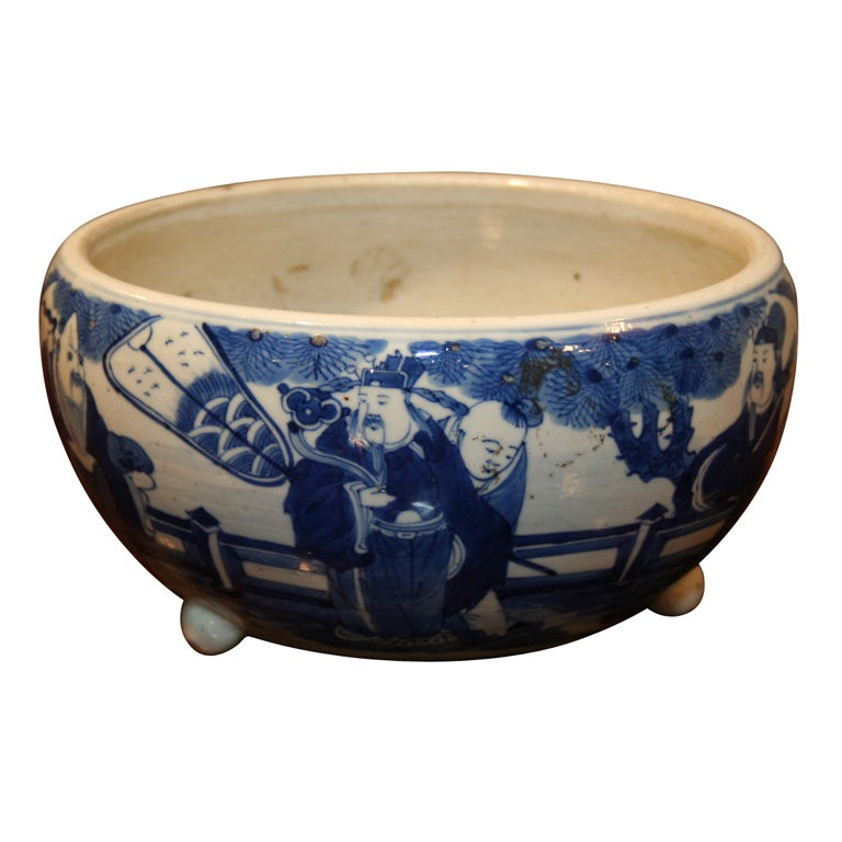 19th Century Chinese Qing Period Tongzhi Blue and White Porcelain Cachepot 1