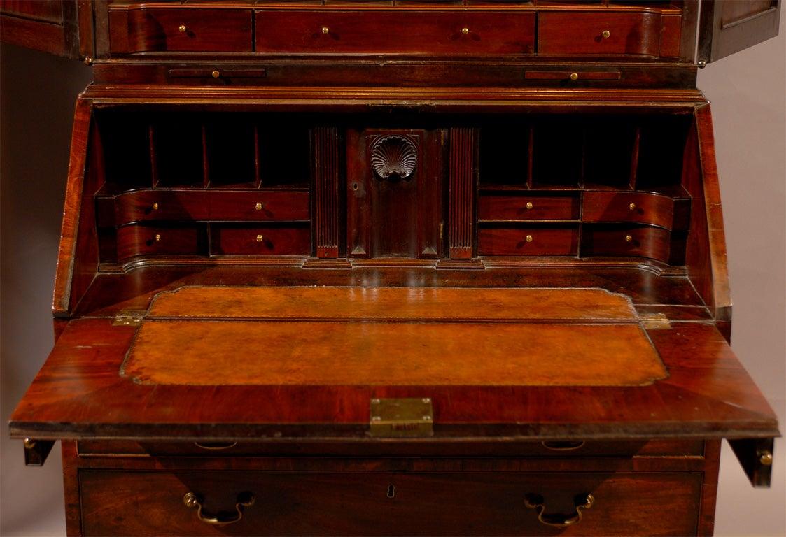 18th century English Bureau Bookcase in Mahogany, ca. 1760 5