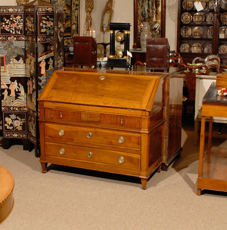 18th century louis xvi walnut bureau france for sale at for Bureau louis xvi