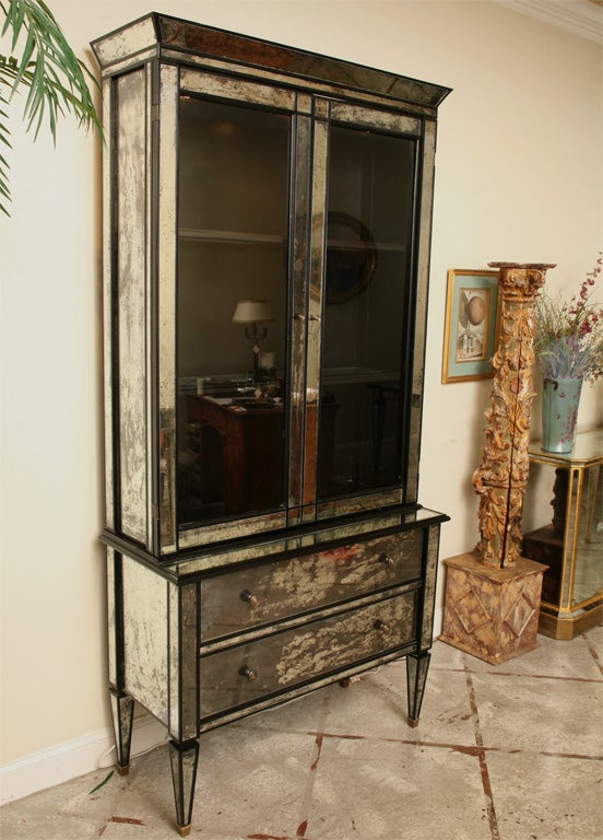 Mirrored two drawer Hutch with Black Lacquer image 2
